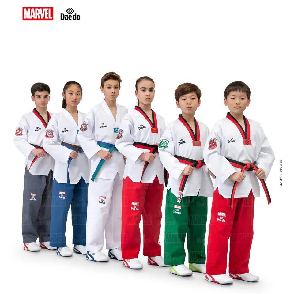 Dobok per Taekwondo Marvel kimono per TKD